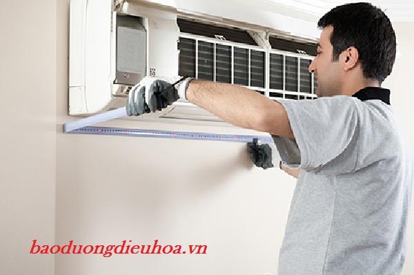 Chú ý không sử dụng nước nóng để rửa tấm lưới lọc điều hòa