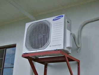 lắp ống nước thải điều hòa